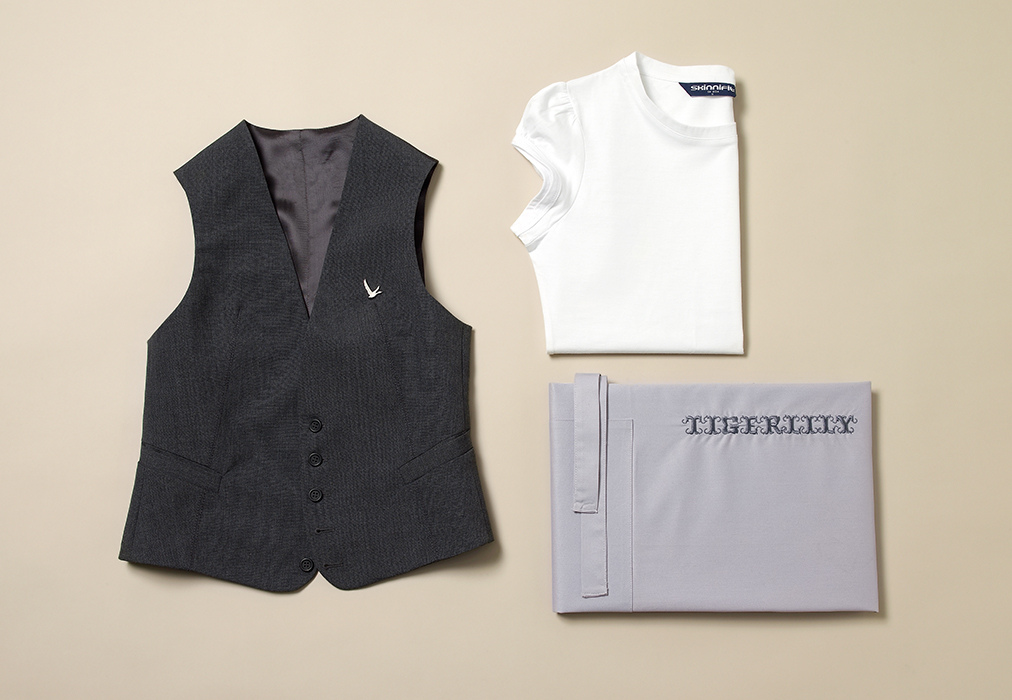 field-grey-female-uniform-tailoring-apron-embroidery-tshirt-tigerlily