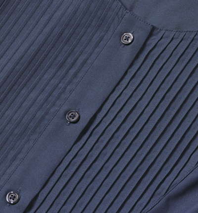 Female-Pleat-Close-Up-08